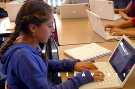 Differences Between a 5 Paragraph Essay and an Article